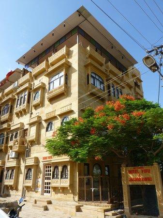 Hotel Fifu: Outside