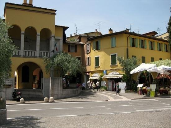 Ristorante pizzeria ulivi: Viewed from the Il Vittoriale