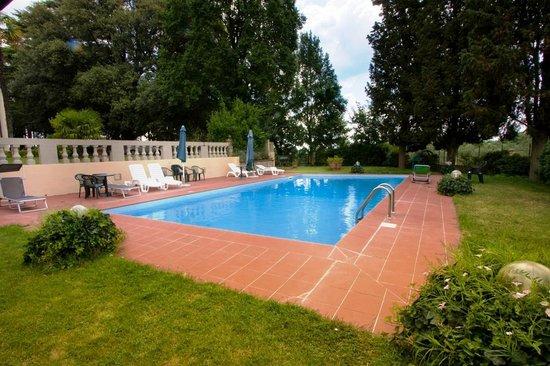 Villa Damiani : Piscina