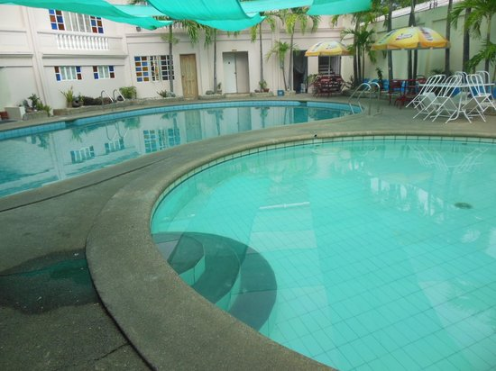 Palazzo de Laoag Hotel and Restaurant: The pool