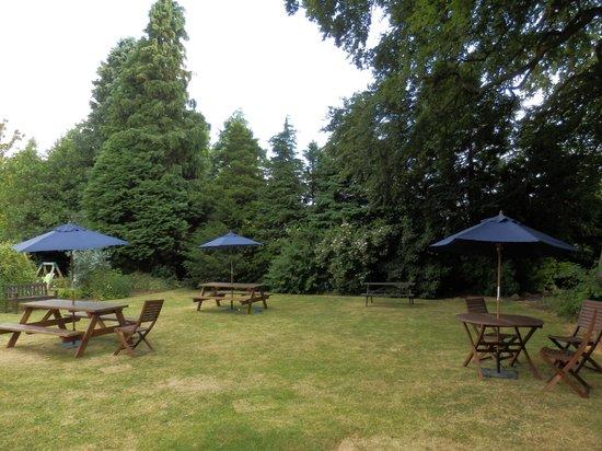 Tankerville Arms Hotel Wooler: de tuin (the garden)