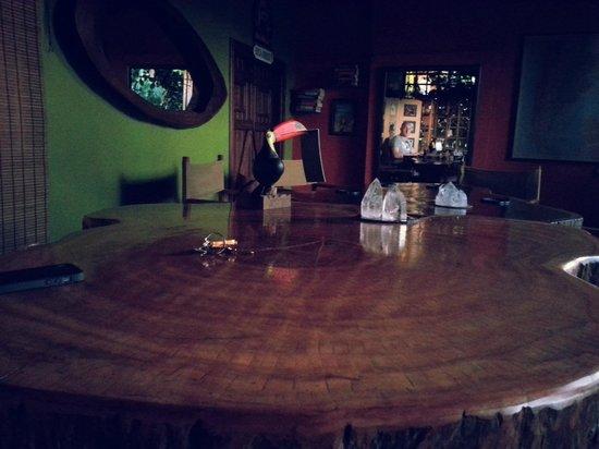 Secret Garden Iguazu B&B: Breakfast/Evening Drinks Table
