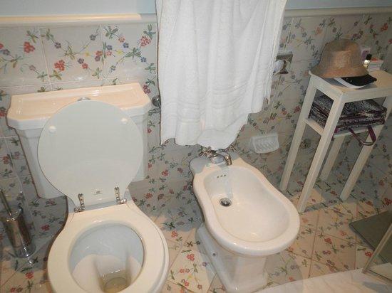 L'Albergo della Regina Isabella: toilet