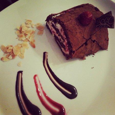 Graf - Restaurant & Delicatessen: Dark chocolate roll with raspberry cheese cream