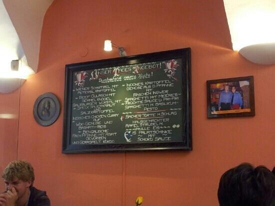 Saran Essbar: Small menu but taaaasty.