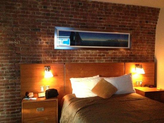 Harborside Inn: Room on 5th floor