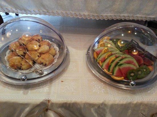 Hotel Ottaviano: Någon form av kaka fanns alltid vid frukosten