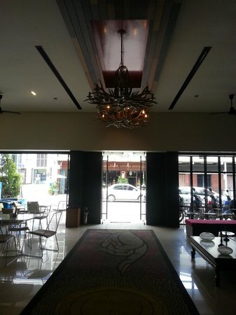 The Small Chiang Mai: Lobby at G