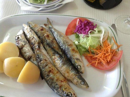 Retiro do Pescador Restaurante : Charcoal grilled sardines