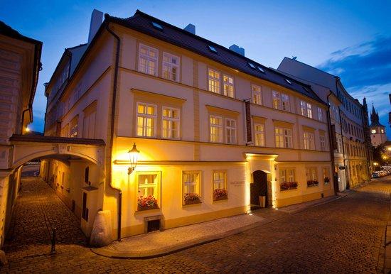 Hotel Leonardo Prague: Exterier