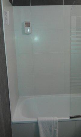 Hotel l'Eskemm : Salle de bain