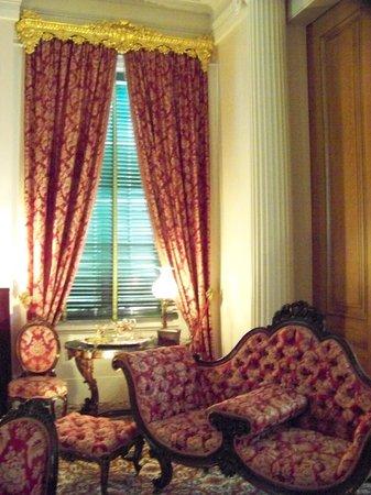Natchez, MS: beautiful furniture