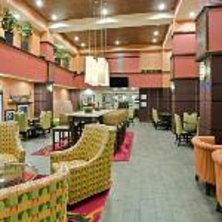 Hampton Inn & Suites Cincinnati/Uptown-University Area: Lobby / Common Area