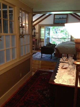 The Tolland Inn: The Treehouse Suite