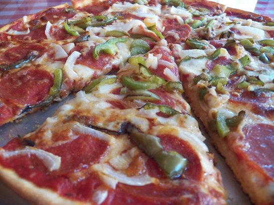 Papa Giorgio's Family Italian Restaurant: Large Crispy Thin Pizza made from fresh dough made on site!