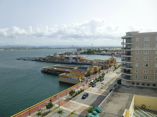 Sheraton Old San Juan Hotel : Pier view from rooftop pool area