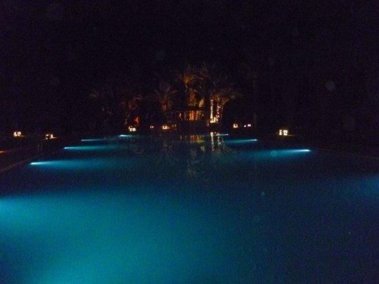 Palm Beach Club Hammamet : piscine by night