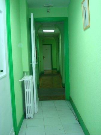 Students Hostel Luis Velez: Acesso