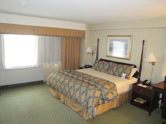 University Inn Washington DC: Traditional King room
