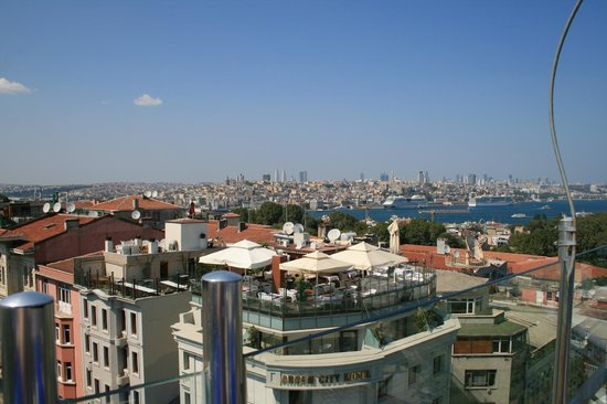 Adamar Hotel: View of the Bosphorus from the rooftop restaurant