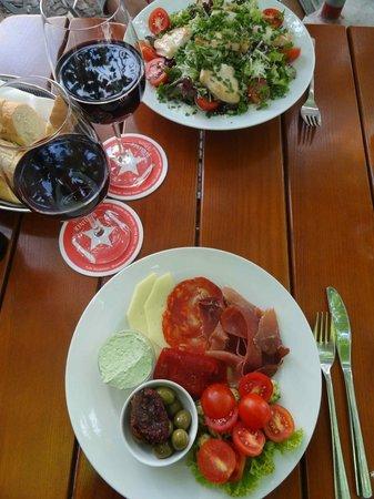November: Salade et antipasti
