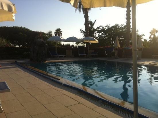 Hotel San Nicola Terme: la piscina termale