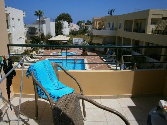 Helios Apartments: Vista dal balcone