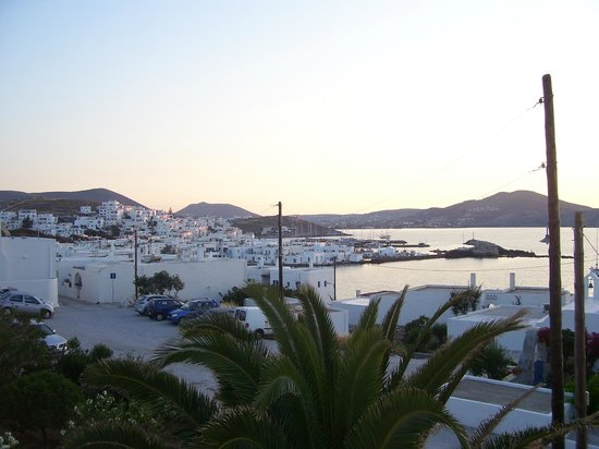 Despina's Rooms & Apartments: Sunset from our balcony!