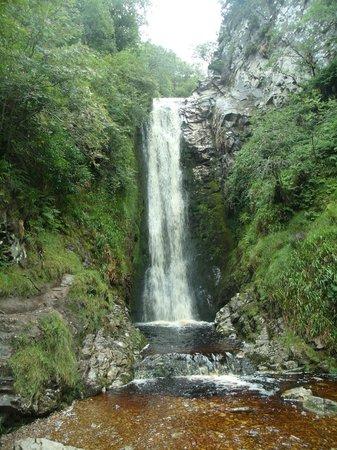 Glenevin Waterfall: amazing scenery
