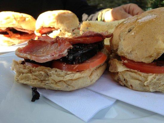 The Lodge Inn : Best Bacon Buttie Ever