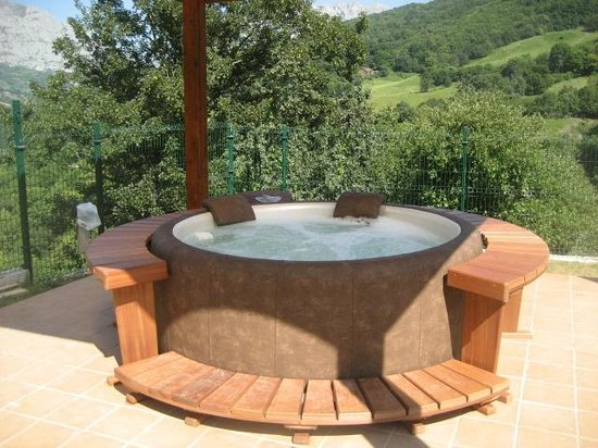 jard n jacuzzi fotograf a de apartamentos rurales balc n real campiello tripadvisor. Black Bedroom Furniture Sets. Home Design Ideas