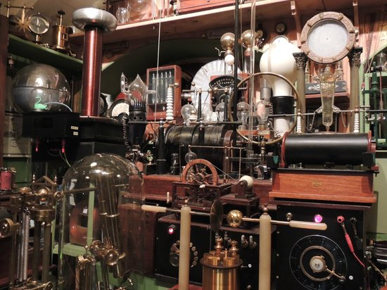 Museum of Victorian Science: Apparatus in the Museum