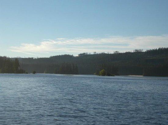 Oyama Lake Fishing Resort : oyama lake view of the islands