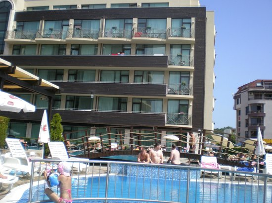 LION Hotel Sunny Beach: Pool view