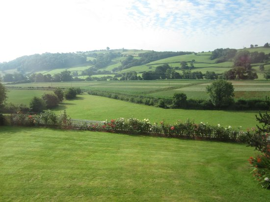 Highgate Cottages: The view from our bedroom