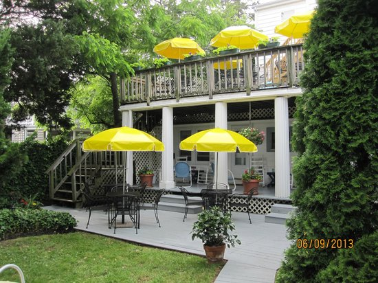 Rehoboth Guest House: Back Yard Decks