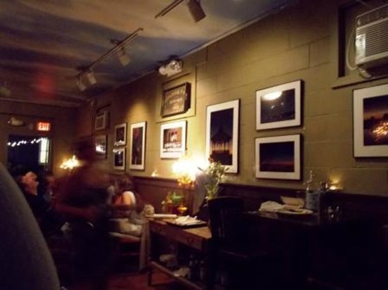 The Sidecar Cafe & Bar: dining area