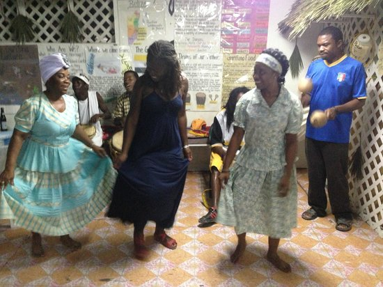 Black & White Cultural Entertainment Center: Learning a Garifuna dance