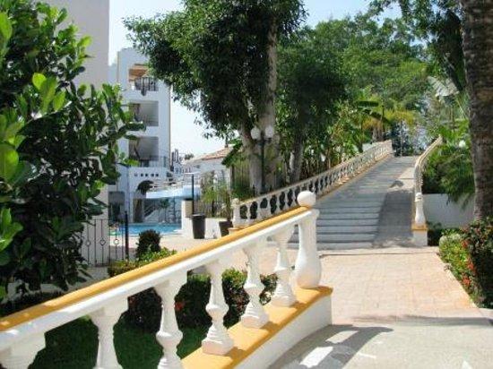 Hotel Loma Linda: acceso a edificios