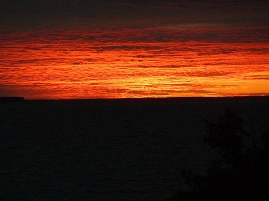 Pine Grove Resort: sunset in August