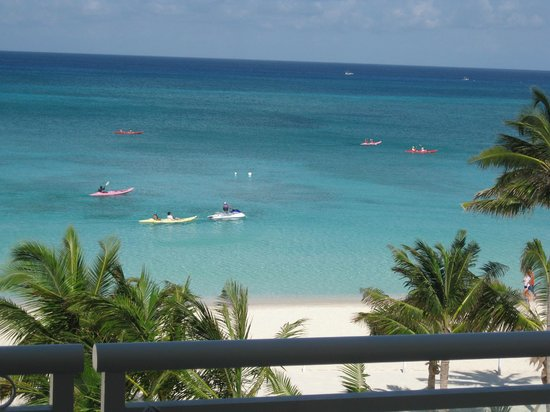 Beachcomber Grand Cayman: taken from the patio with kayaks going by