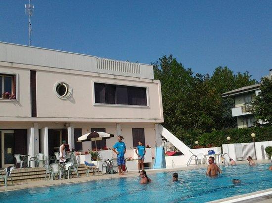 San Pietro Hotel: piscina