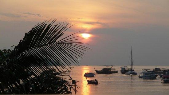 Mama Beach Residence: Levé de soleil