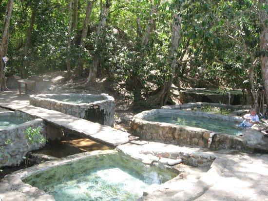 Villas y Bungalows Tlaquepaque : Voyage aux bains thermales (village de la région)
