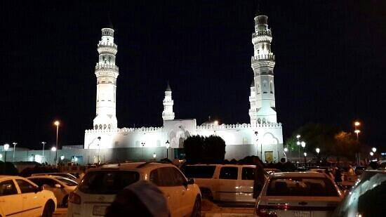 Mosquée de Quba : قباء بالليل
