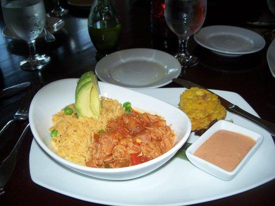 Melaza Bistro : Yummy dinner. Pulled chicken soffrito