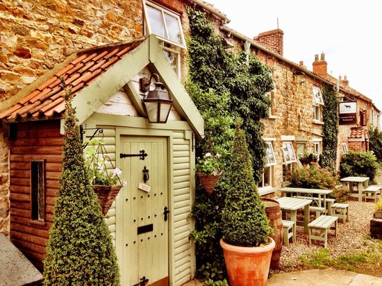 Black Horse Inn: Come on in