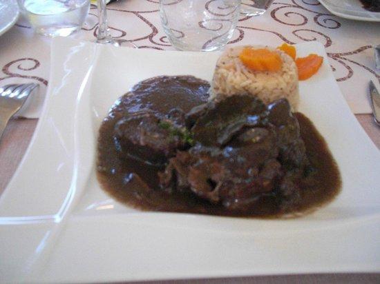 Le Cafe du Commerce : Bull stew