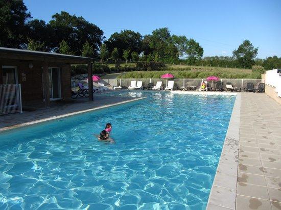 Les Hameaux de Montreal : La piscine