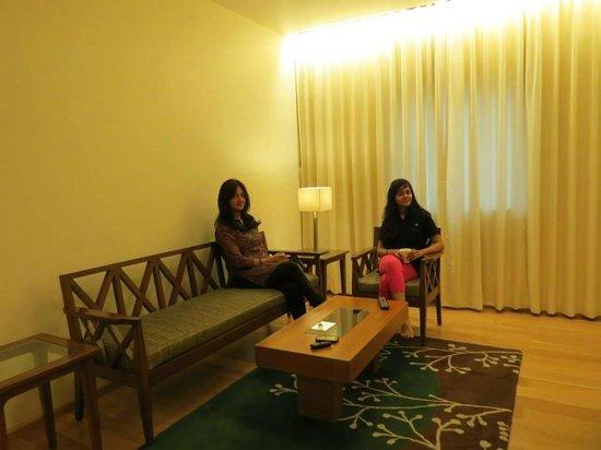 Noorya Hometel : Suite lobby